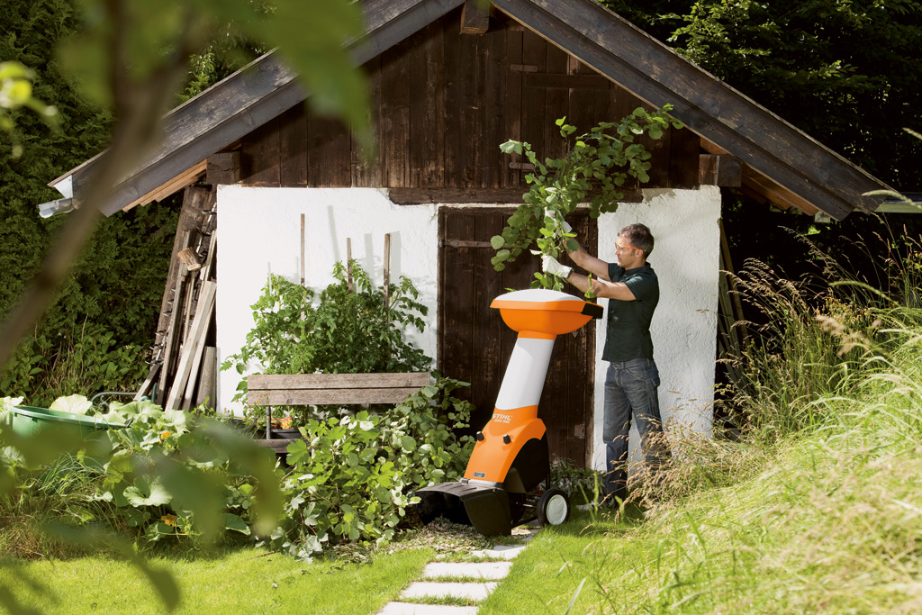 Gartenhäcksler Stihl GHE 355 und GHE 375 im Einsatz günstig kaufen