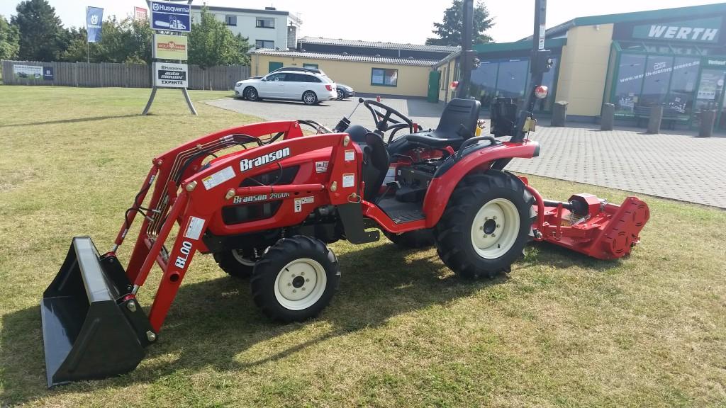 Branson-Traktor-Frontlader-Schlegelmäher-Werth-Motorgeräte