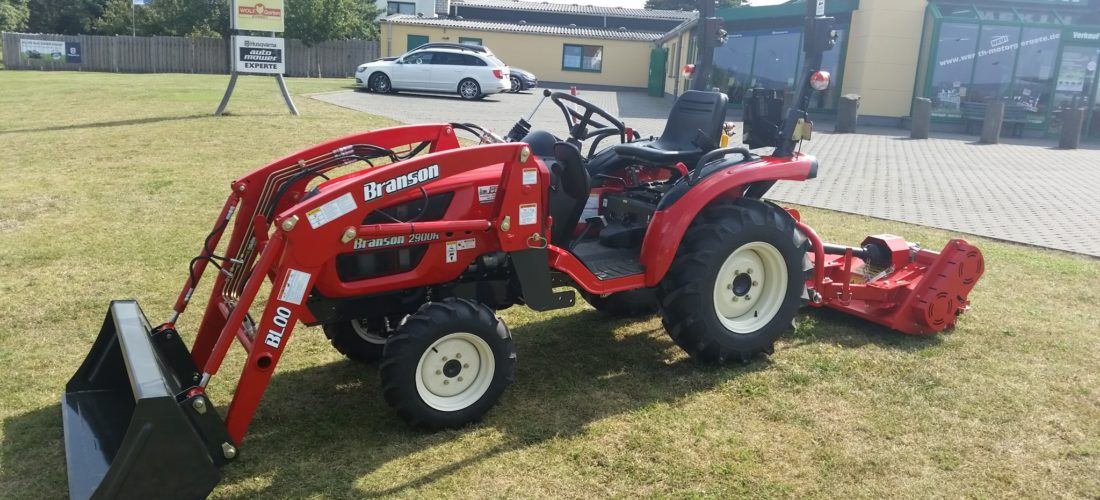 Kompakttraktor Branson mit Frontlader und Schlegelmäher Traktor Händler günstig kaufen