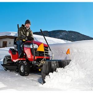 Rasentraktoren und Aufsitzmäher im Winterpaket