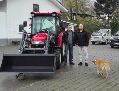 Traktor Branson 6225 C Auslieferung an den Knapendorfer Hof