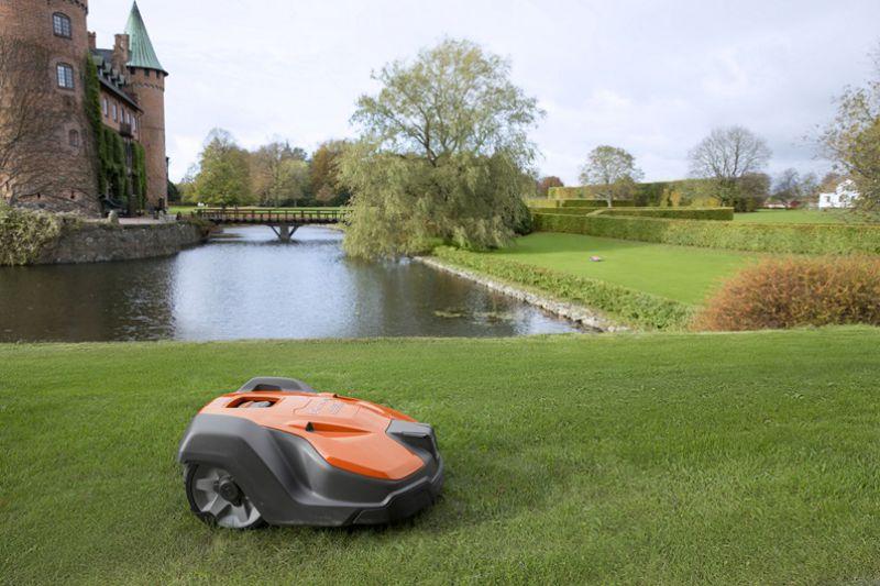 Husqvarna Automower 520 und 550 professionelle Mähroboter für gewerbliche Rasenflächen günstig kaufen