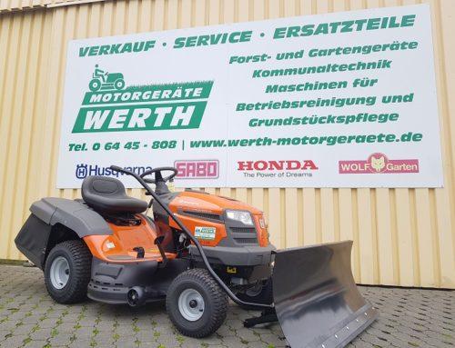 Rasentraktor Husqvarna TC 138 jetzt günstig kaufen im Winterpaket mit Schneeschild und Schneeketten