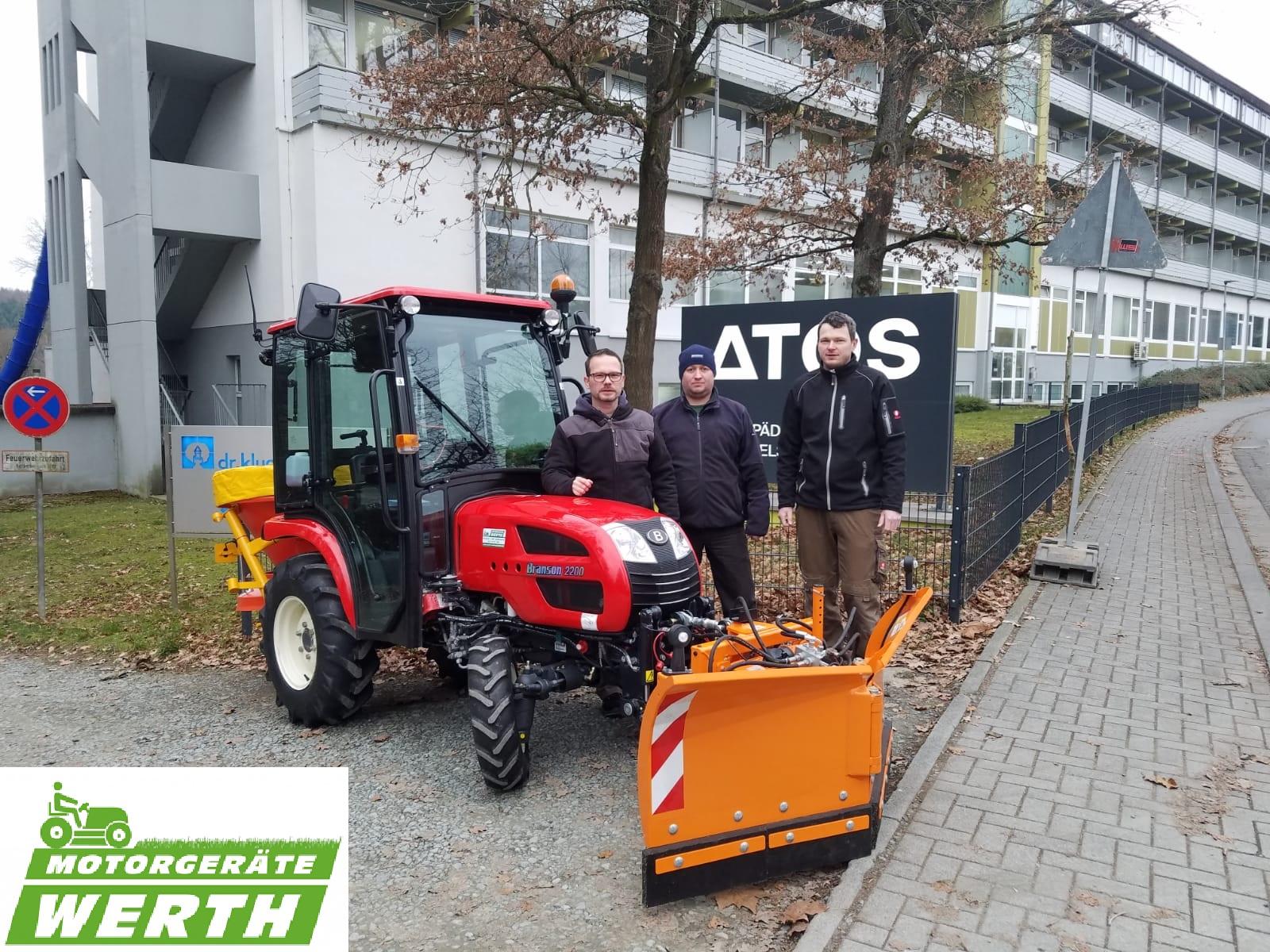 Branson Traktor 2200 Winterpaket Winterdienst Auslieferung an Kunde