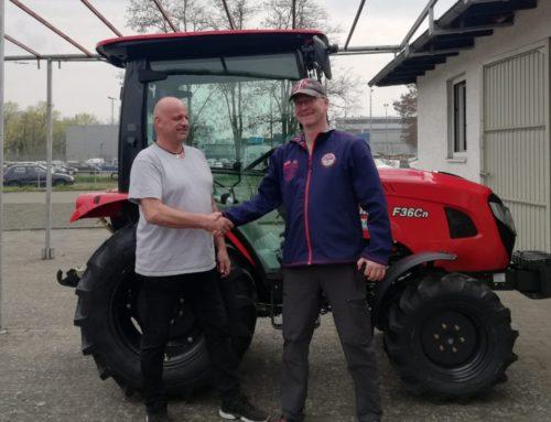 Branson F36Cn Traktor Kundenübergabe