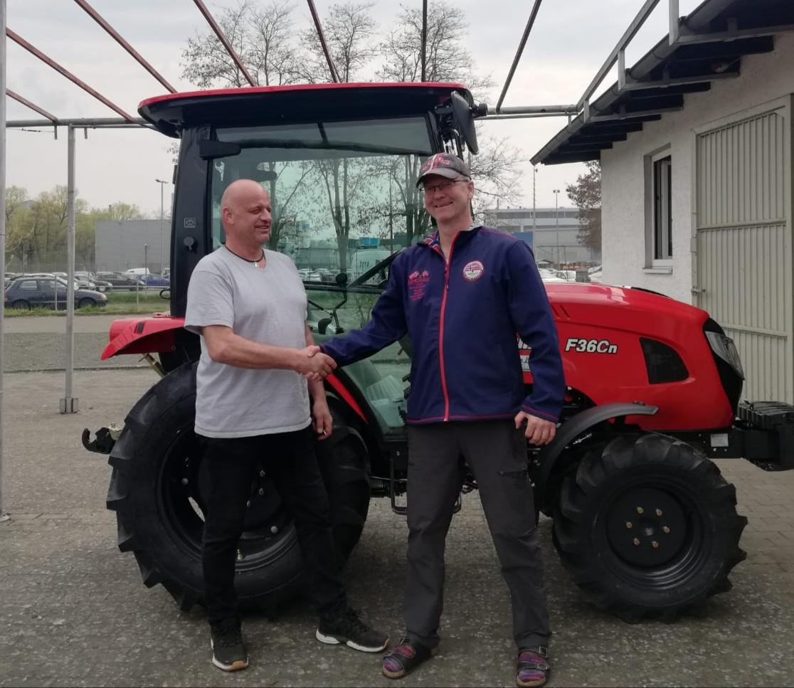 branson traktor f36cn günstig kaufen angebot Übergabe an Kunden